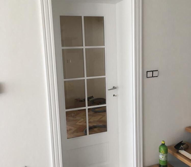 Dvere drevené na mieru biele výplň sklo