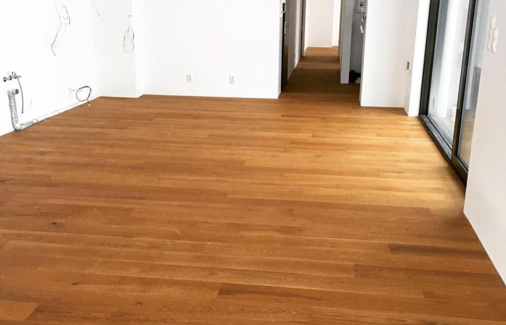 Celoplošne lepené drevené dyhované parkety Boen Koliba